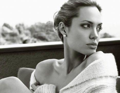 Jolie'nin şok pozları - 39